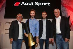 Нико Росберг, гонщики Audi Sport Team Rosberg Рене Раст и Джейми Грин, Кеке Росберг и менеджер команды Арно Ценсен
