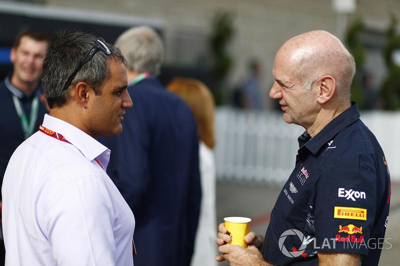 Технічний директор Red Bull Racing Едріан Ньюі, Хуан-Пабло Мотойя