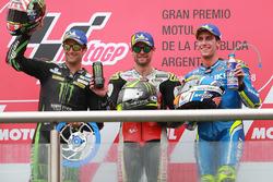 Podium : le deuxième, Johann Zarco, Monster Yamaha Tech 3, le vainqueur Cal Crutchlow, Team LCR Honda, le troisième, Alex Rins, Team Suzuki MotoGP