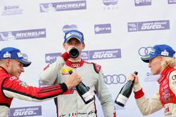 Podio: Vincitore Edoardo Mortara, Phoenix Racing Asia, secondo posto Alessio Picariello, MGT Team, terzo posto Rahel Frey, Castrol Racing Team
