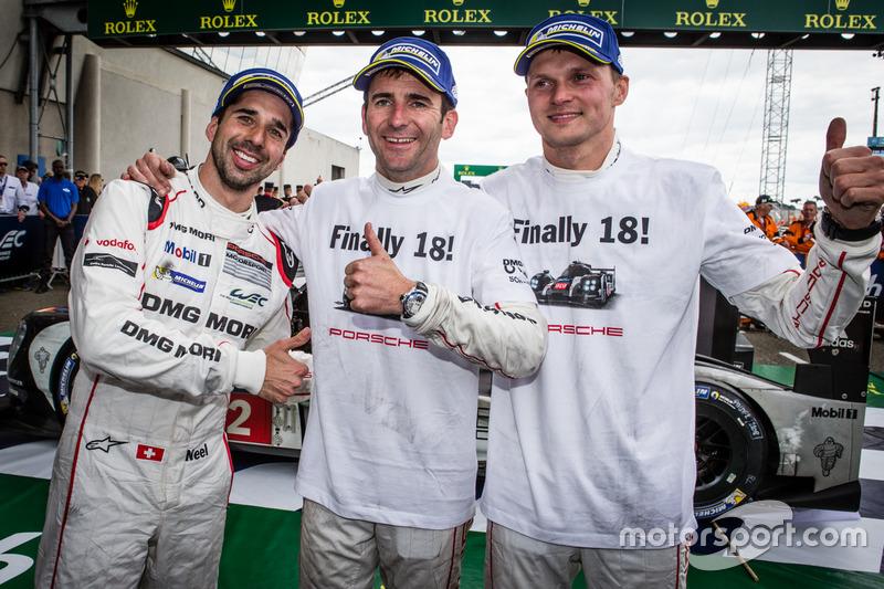 Race winners #2 Porsche Team Porsche 919 Hybrid: Neel Jani, Romain Dumas, Marc Lieb celebrate