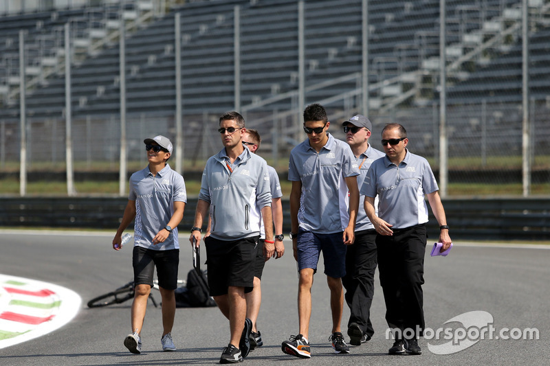 Rio Haryanto, Manor Racing ve Esteban Ocon, Manor Racing