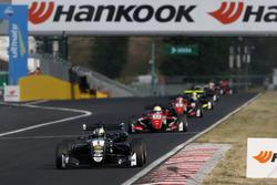 1 Joel Eriksson (SWE, Motopark, Dallara F317 - Volkswagen), 53 Callum Ilott (GBR, Prema Powerteam, Dallara F317 – Mercedes-Benz), 8 Guanyu Zhou (CHN, Prema Powerteam, Dallara F317 - Mercedes-Benz), 31 Lando Norris (GBR, Carlin, Dallara F317 - Volkswagen), FIA Formula 3 European Championship, round 4, race 3, Hungaroring (HUN), 16. - 18. June 2017