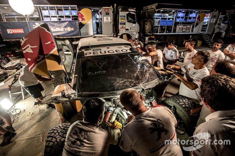 Das Unfallauto von Sebastien Loeb und Daniel Elena