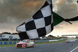 Race winner Fabian Coulthard, Team Penske Ford