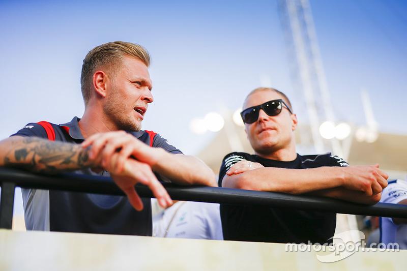 Kevin Magnussen, Haas F1 Team, and Valtteri Bottas, Mercedes AMG