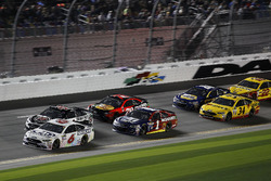 Trevor Bayne, Roush Fenway Racing Ford; Jamie McMurray, Chip Ganassi Racing Chevrolet; Landon Cassill, Front Row Motorsports Ford