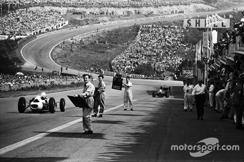 1962 - Suasana lurusan menuju Eau Rouge