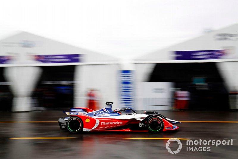 Jérôme d'Ambrosio, Mahindra Racing, M5 Electro transita in pit lane