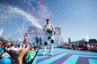 Ganador, Sam Bird, Envision Virgin Racing celebra