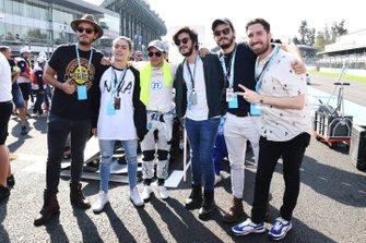 Felipe Massa, Venturi Formula E, on the grid with Mexican comedian Alex Fernandez