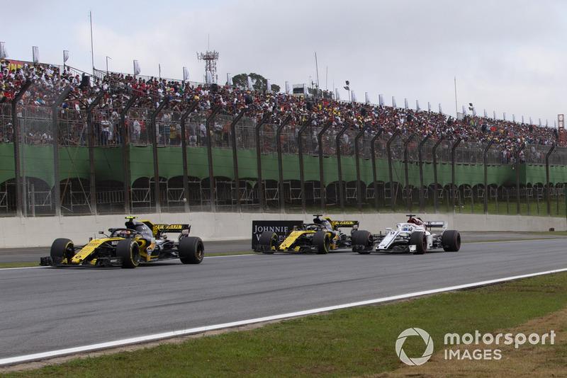 Карлос Сайнс-мол., Renault Sport F1 Team R.S. 18, Ніко Хюлькенберг, Renault Sport F1 Team R.S. 18 та Маркус Ерікссон, Sauber C37