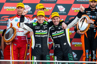 Podium: Craig Lowndes, Steven Richards, Triple Eight Race Engineering Holden