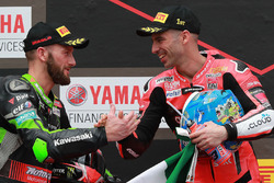 Подіум: Марко Меландрі, Aruba.it Racing-Ducati SBK Team, другий призер Том Сайкс, Kawasaki Racing