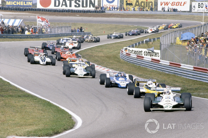 Départ : Alan Jones, Williams FW07B-Ford Cosworth, devant René Arnoux, Renault RE20, Jacques Laffite, Ligier JS11/15-Ford Cosworth, Carlos Reutemann, Williams FW07B-Ford Cosworth, Jean-Pierre Jabouille, Renault RE20, Nelson Piquet, Brabham BT49-Ford Cosworth, Bruno Giacomelli, Alfa Romeo 179B, Gilles Villeneuve, Jody Scheckter, Ferrari 312T5, Mario Andretti, Lotus 81-Ford Cosworth, John Watson, McLaren M29C-Ford Cosworth, Didier Pironi, Ligier JS11/15-Ford Cosworth, Elio de Angelis, Lotus 81-Ford Cosworth, Riccardo Patrese, Arrows A3-Ford Cosworth, Jean-Pierre Jarier, Tyrrell 010-Ford Cosworth, Eddie Cheever, Osella FA1-Ford Cosworth, et Nigel Mansell, Lotus 81B-Ford Cosworth
