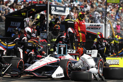 Josef Newgarden, Team Penske Chevrolet au stand