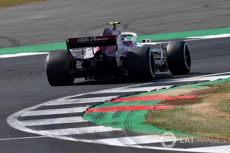Charles Leclerc, Sauber C37 rear