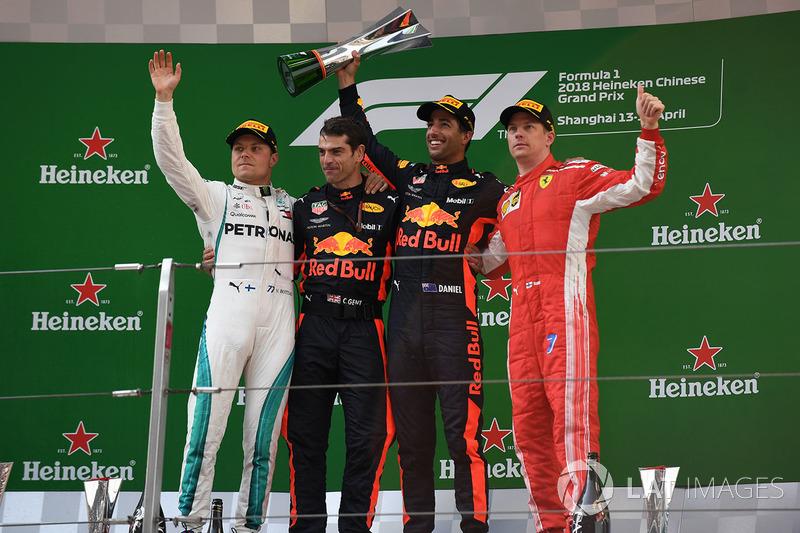 Podium : le vainqueur Daniel Ricciardo, Red Bull Racing, le deuxième, Valtteri Bottas, Mercedes-AMG F1, le troisième Kimi Raikkonen, Ferrari