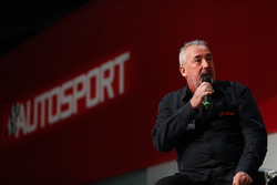 Mark Sutton, Sutton Images, talking to Henry Hope-Frost on the Autosport stage