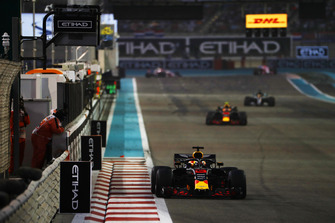 Daniel Ricciardo, Red Bull Racing, leads Max Verstappen, Red Bull Racing RB14, and Lewis Hamilton, Mercedes AMG F1 W09 EQ Power+