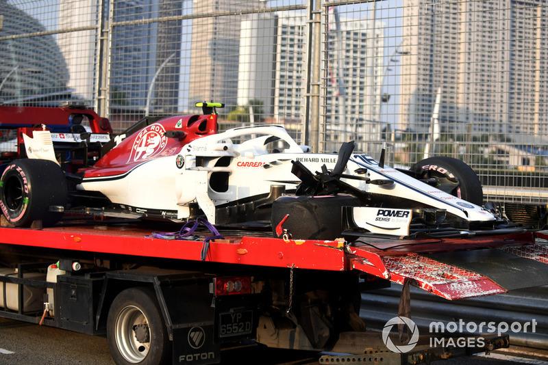 Leclerc golpea el muro en los libres 1