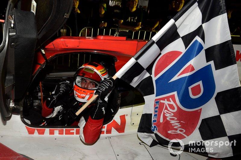 Race winner #31 Action Express Racing Cadillac DPi: Felipe Nasr