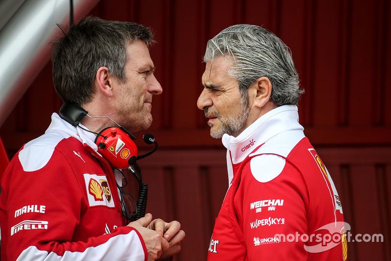 Технічний директор Ferrari  Джеймс Еллісон і голова команди Ferrari Мауріціо Аррівабене