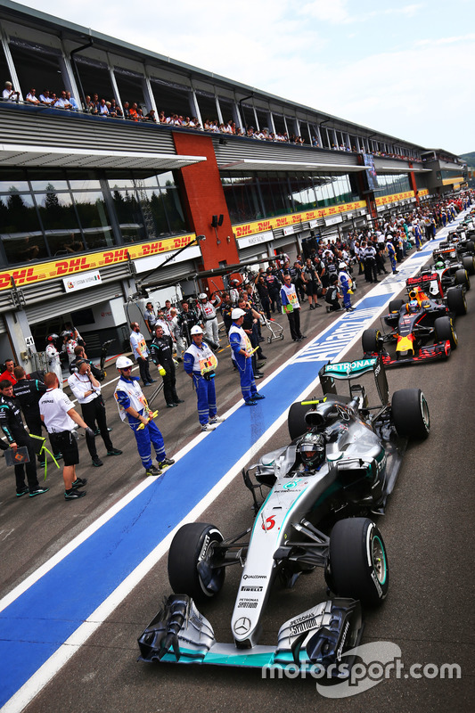 Nico Rosberg, Mercedes AMG F1 W07 Hybrid pitlerde
