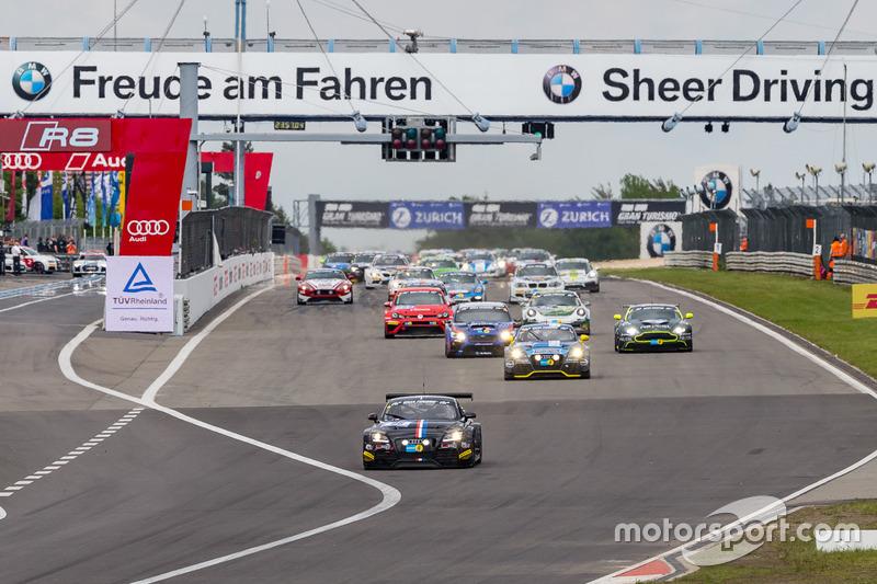 Group 2 race start
