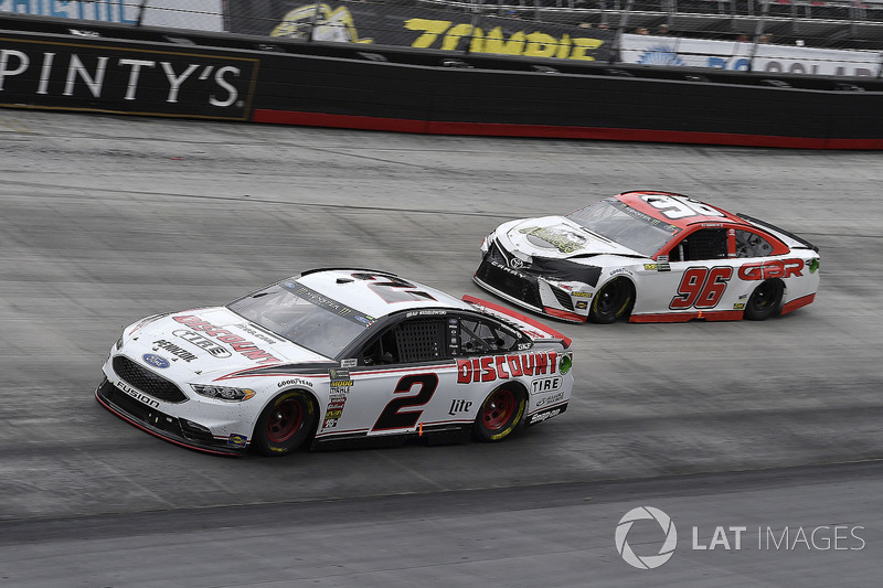 Brad Keselowski, Team Penske, Ford Fusion Discount Tire and D J Kennington, Gaunt Brothers Racing, Toyota Camry, Gaunt Brothers Racing