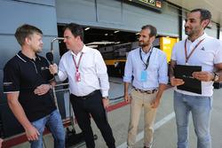 Infiniti Engineering Academy avec James Allen et Cyril Abiteboul, directeur général, Renault Sport F1 Team