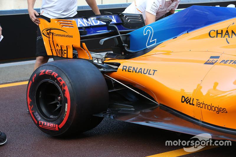Bagian belakang McLaren MCL33
