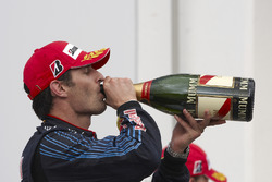 Podyum: Yarış galibi Mark Webber, Red Bull Racing