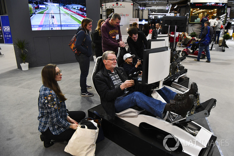 Fans sample simulators