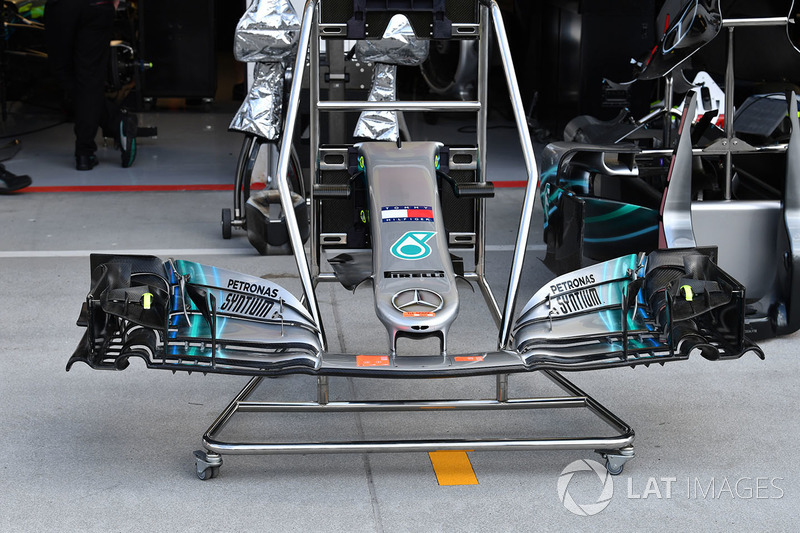 Sayap depan Mercedes-AMG F1 W09