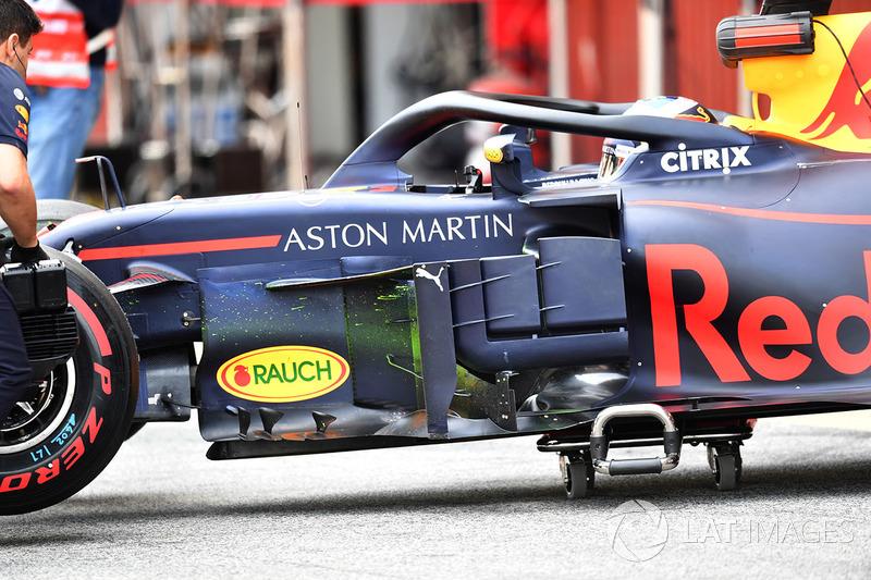 Daniel Ricciardo, Red Bull Racing RB14 avec de la peinture aérodynamique sur les déflecteurs
