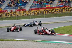 Sean Gelael, PREMA Racing leads Antonio Fuoco, Charouz Racing System