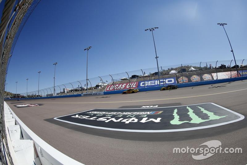 Logo in Phoenix: Monster Energy NASCAR Cup Series