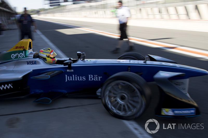 Bagaimana kesan pertama Anda tentang mobil FE jika dibandingkan dengan F1?