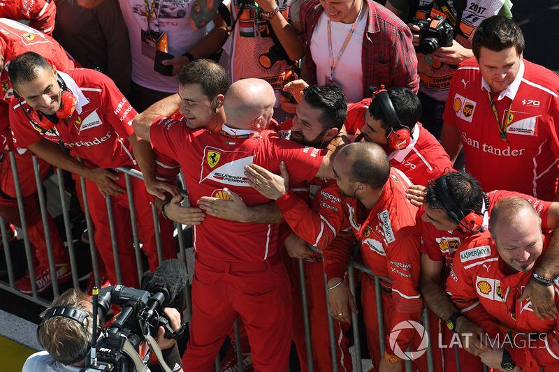 Jock Clear, Ingeniero en  jefe de Ferrari y Ferrari celebran