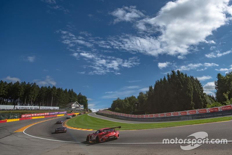#88 Mercedes-AMG Team Akka ASP Mercedes-AMG GT3: Фелікс Серралес, Даніель Хункаделья, Трістан Вотьє