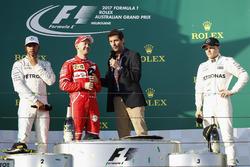 Podyum: yarış galibi Sebastian Vettel, Ferrari ve Mark Webber