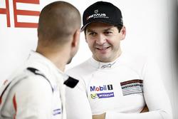 #91 Porsche Team Porsche 911 RSR: Richard Lietz
