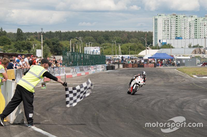 Фініш: Максим Макуха