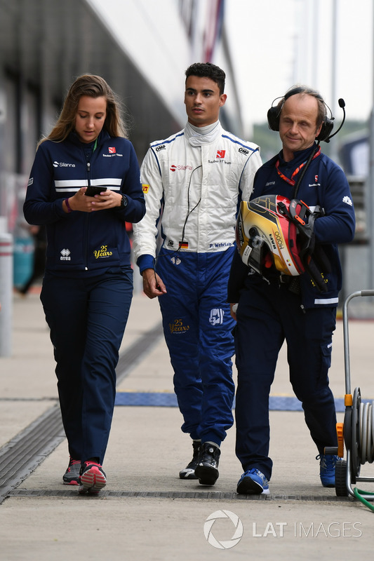 Pascal Wehrlein, Sauber y Josef Leberer, Sauber F1 Physio