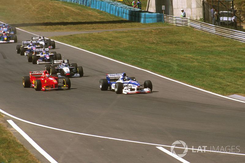 Damon Hill, Arrows A18, Eddie Irvine, Ferrari F310B, Mika Hakkinen McLaren MP4/12