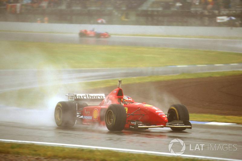 Найбільша кількість перемог у різних Гран Прі: 22