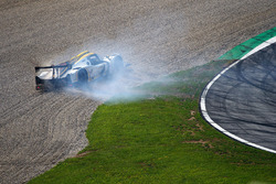 #15 RLR Msport, Ligier JS P3 - Nissan: John Farano, Morten Dons, Alex Kapadia choque