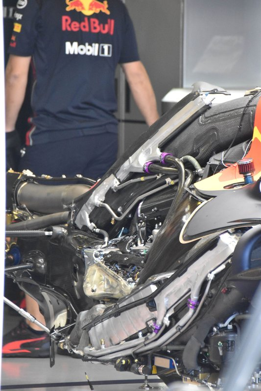 Red Bull Racing RB15, motor, részlet
