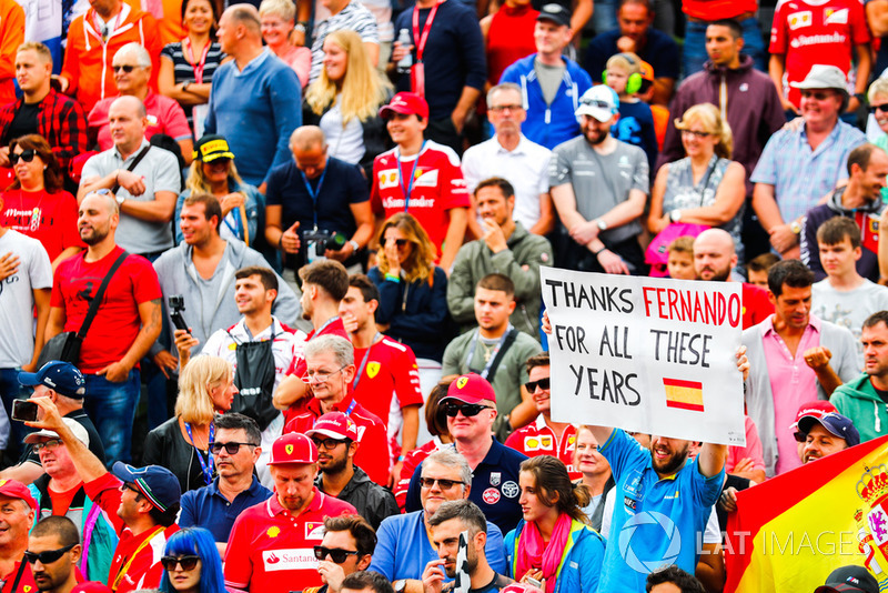 A message for Fernando Alonso, McLaren, from the crowd
